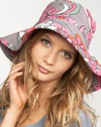 Juicy couture sun hat : sun hat ; wrinkles : aging : sunscreen